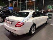 Bán Mercedes E250 2016, màu trắng giá 2 tỷ 350 tr tại Tp.HCM