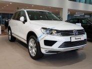 Bán xe Volkswagen Touareg gía tốt, giao xe ngay, hỗ trợ ngân hàng 80% giá trị xe giá 2 tỷ 499 tr tại Tp.HCM