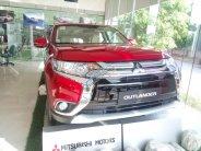 Cần bán xe Mitsubishi Outlander cvt đời 2018, màu đỏ giá 808 triệu tại Hà Nội