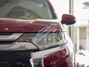 Cần bán Mitsubishi Outlander 2018, màu đỏ giá rẻ giá 808 triệu tại Tp.HCM