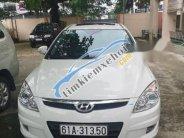 Cần bán gấp Hyundai i30 2009, màu trắng giá 396 triệu tại Bình Dương