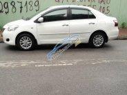 Cần bán gấp Vios 2013 số sàn, màu trắng, xe đẹp zin nguyên giá 352 triệu tại Tp.HCM