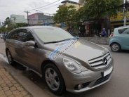 Cần bán xe Mercedes R500 5.5AT 2008, màu xám, nhập Mỹ giá 615 triệu tại Tp.HCM