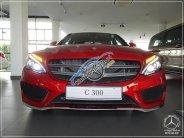 Cần bán xe Mercedes C300 AMG đời 2018, full option giá 1 tỷ 949 tr tại Tp.HCM