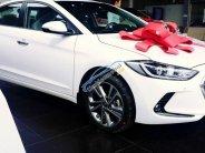 Cần bán xe Hyundai Elantra sản xuất năm 2018, màu trắng, giá 560tr giá 560 triệu tại Tp.HCM