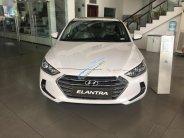 Cần bán Hyundai Elantra 1.6 AT đời 2018, màu trắng giá 640 triệu tại Tp.HCM