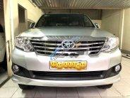 Bán Toyota Fortuner V 2.7AT năm sản xuất 2012, màu bạc xe gia đình, giá 679tr giá 679 triệu tại Tp.HCM