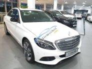 Bán xe Mercedes C250 năm 2018, màu trắng. Xe giao ngay giá 1 tỷ 729 tr tại Tp.HCM