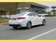 Cần bán xe Hyundai Elantra đời 2018, màu trắng, giá tốt giá 550 triệu tại Bình Dương