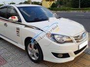 Cần bán gấp Hyundai Avante năm sản xuất 2011, màu trắng số tự động giá 355 triệu tại Đà Nẵng
