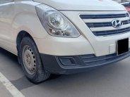 Cần bán Hyundai Starex 11/2017, máy dầu 2.4L, số sàn, màu trắng, 5 chỗ ngồi giá 595 triệu tại Tp.HCM