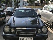 Cần bán lại xe Mercedes-Benz E class năm 1997 màu đen, nhập khẩu, 168 triệu giá 168 triệu tại Hải Phòng