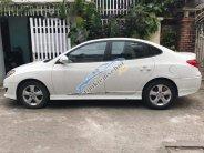 Gia đình bán xe Hyundai Avante AT đời 2012, màu trắng, giá tốt giá 450 triệu tại Đà Nẵng