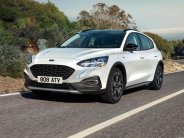 Bán Ford Focus 2018, đưa xe vào chỗ đỗ thật dễ dàng. Hotline: 0901.979.357 - Hoàng giá 595 triệu tại Đà Nẵng