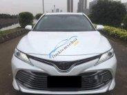 Cần bán xe Toyota Camry đời 2019, nội thất màu đen giá 690 triệu tại Thanh Hóa