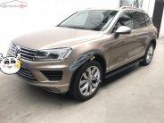 Bán Volkswagen Touareg 3.6 AT 2016, màu vàng, xe nhập như mới giá 2 tỷ 300 tr tại Tp.HCM