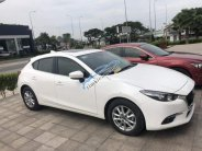 Cần bán lại xe Mazda 3 1.5 2018, màu trắng giá 705 triệu tại Tp.HCM