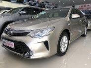 Bán Toyota Camry 2.0 E năm sản xuất 2016, màu vàng cát giá 920 triệu tại Tp.HCM