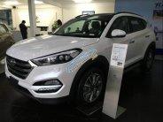 Cần bán Hyundai Tucson đời 2018, màu trắng giá 805 triệu tại Hà Nội