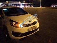 Bán Kia Rio sản xuất 2015, màu trắng, xe nhập chính chủ giá 379 triệu tại Tp.HCM