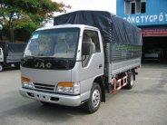 Xe tải Jac máy xăng thùng bạt 990kg euro4 giá 252 triệu tại Bình Dương