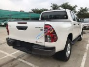 Bán xe Toyota Hilux AT 2019, màu trắng, nhập khẩu, 695 triệu giá 695 triệu tại Tp.HCM
