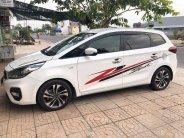Cần bán xe Kia Rondo 2017 số sàn máy xăng, xe màu trắng giá 535 triệu tại Tp.HCM