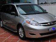 Cần bán xe Toyota Sienna LE đời 2008, màu bạc, nhập khẩu nguyên chiếc xe gia đình  giá 720 triệu tại Tp.HCM