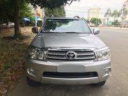 Cần bán xe Toyota Fortuner 2009 máy dầu số sàn, xe màu bạc giá 595 triệu tại Tp.HCM
