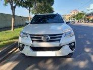 Cần bán xe Toyota Fortuner 2017 máy dầu số sàn, màu trắng ngọc trai giá 967 triệu tại Tp.HCM