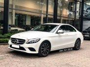 Cần bán gấp Mercedes C200 2019 màu trắng chính chủ biển đẹp giá cực tốt giá 1 tỷ 380 tr tại Hà Nội