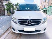 Cần ra đi em Mercedes V220d, đời 2016, màu trắng xe như mới giá 1 tỷ 950 tr tại Tp.HCM