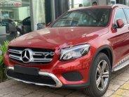 Bán Mercedes GLC 200 đời 2019, màu đỏ, mới 100% giá 1 tỷ 648 tr tại Tp.HCM