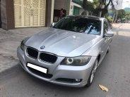 Gia đình cần bán BMW 320i đời 2009 số tự động, màu bạc giá 446 triệu tại Tp.HCM