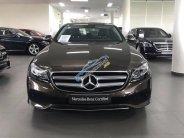 Bán Mercedes E250 ĐK 2018 màu nâu, odo 11.000km. Còn bảo hành giá 2 tỷ 100 tr tại Tp.HCM