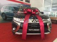 Cần bán xe Mitsubishi Outlander sản xuất năm 2019, màu đen giá 808 triệu tại Tp.HCM