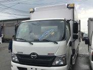 Bán xe Hino 3T thùng bảo ôn,xe có sẵn giao ngay,quà ngập tràng,lái thử thoải mái. giá 830 triệu tại Tp.HCM
