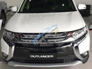 Mitsubishi Outlander chương trình tháng 8 giảm đến 51 triệu giá 807 triệu tại Đà Nẵng