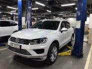 Cần bán Volkswagen Touareg 2017, trắng ngọc trinh, còn mới tinh không lầm lỗi, Odo 6200Km, full options giá 2 tỷ 100 tr tại Tp.HCM