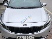 Cần bán gấp Kia Cerato 2016, màu bạc, xe nhập xe gia đình giá 565 triệu tại Hải Dương