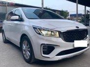 Cần bán gấp Kia Sedona 2.2AT CRDi năm 2019, màu trắng, nhập khẩu nguyên chiếc như mới giá 1 tỷ 178 tr tại Tp.HCM