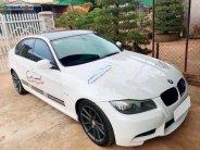 Bán BMW 320i AT 2011, màu trắng, xe gia đình, giá tốt giá 445 triệu tại Tp.HCM