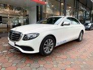 Bán Mercedes E200 2020 màu trắng, biển đẹp, xe chính hãng đã qua sử dụng giá 2 tỷ 9 tr tại Hà Nội