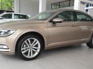 Volkswagen Passat GP, màu vàng cát, nhập khẩu, chương trình quà tặng hấp dẫn giá 1 tỷ 266 tr tại Quảng Ninh