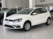 Volkswagen Polo Hatchback, màu trắng, nhập khẩu nguyên chiếc tặng quà hấp dẫn kèm hỗ trợ trả góp giá 695 triệu tại Quảng Ninh