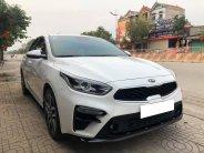 Cần bán xe Kia Cerato AT sản xuất 2019, màu trắng, số tự động, 586tr giá 586 triệu tại Tp.HCM