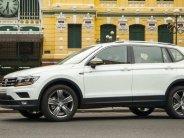 Tiguan Luxury 2020 màu trắng nhập khẩu nguyên chiếc giảm phí trước bạ và tặng gói phụ kiện chính hãng, giao xe ngay giá 1 tỷ 799 tr tại Tp.HCM