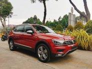 Xe Tiguan màu đỏ nhập khẩu 2021 giảm giá giá 1 tỷ 899 tr tại Tp.HCM