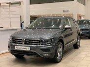 Volkswagen Tiguan 2021 màu xám nhập khẩu, giảm giá khủng giá 1 tỷ 899 tr tại Tp.HCM