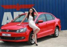 Bán dòng xe nhập Đức Volkswagen Polo Sedan 1.6l, màu đỏ. Tặng 20 triệu tiền mặt